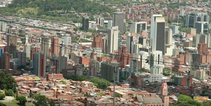 Alcaldía acompaña reactivación de 200 empresas en Medellín