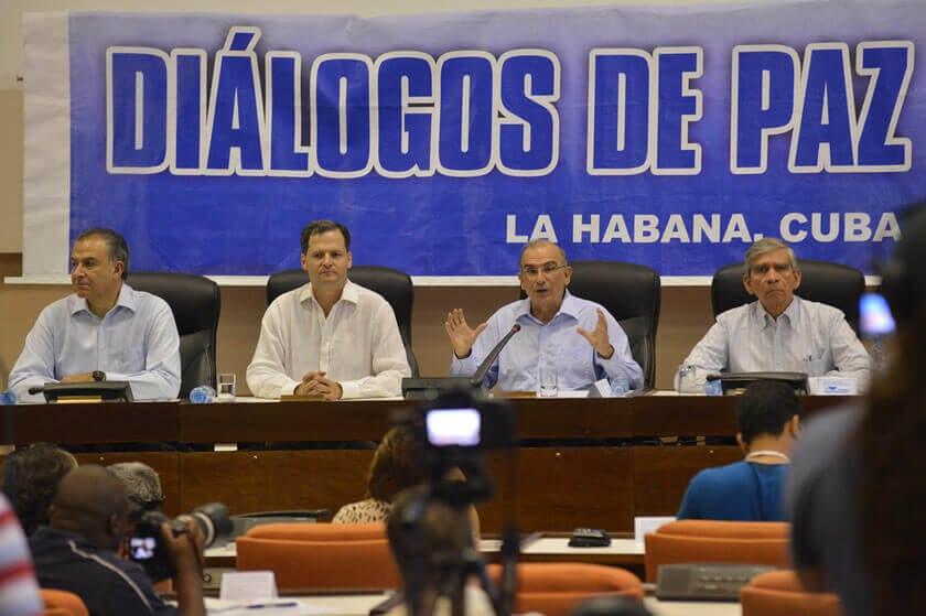 Presidente salvadoreño felicita a su homólogo colombiano por Nobel de la Paz