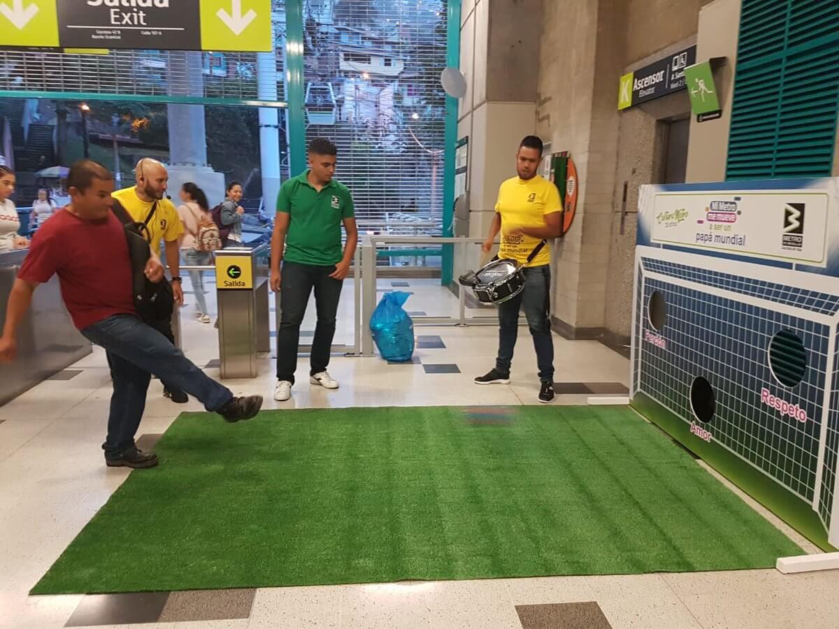 Metro sorprendió a los papás de Medellín en el marco del Día del Padre