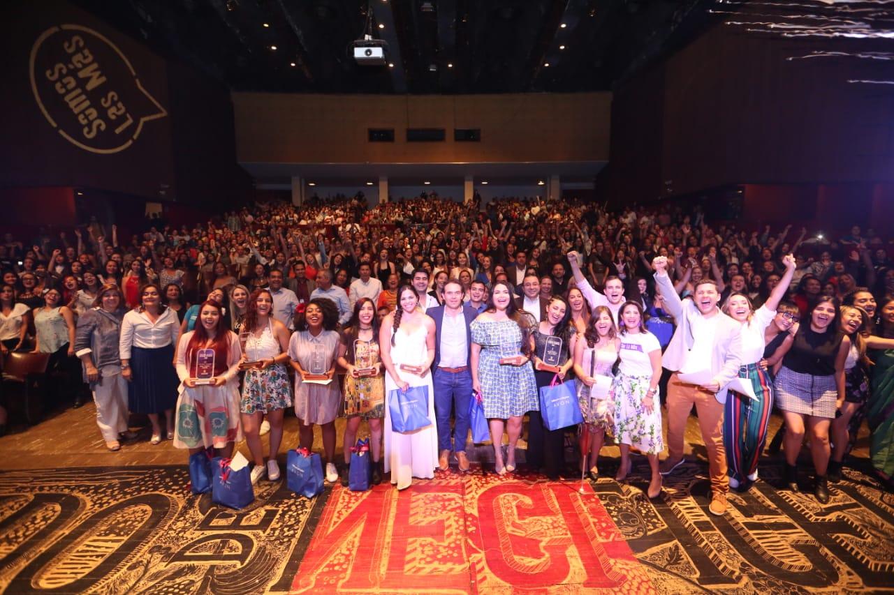 Se celebran 15 años del concurso Mujeres Jóvenes Talento en Medellín