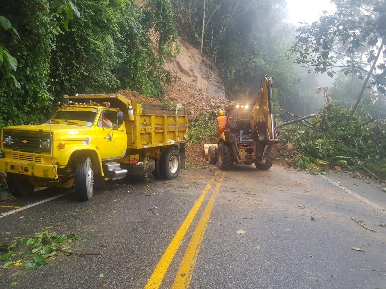 Cierre total en la autopista Medellín – Bogotá por deslizamiento