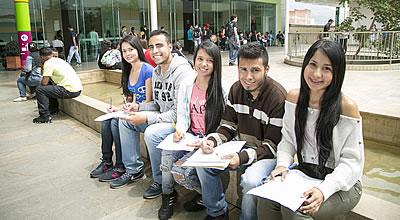 Realizarán feria de empleo para venezolanos en Medellín