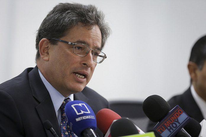 Gobierno reasignó 500 mil millones de pesospara educación pública
