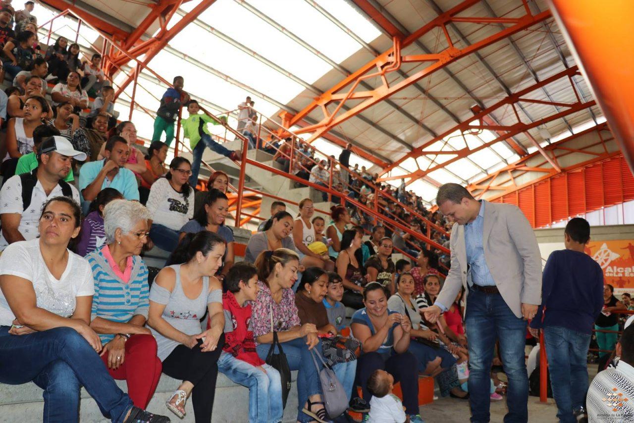 Municipio de La Estrella inició entrega de kits alimentarios vacacionales