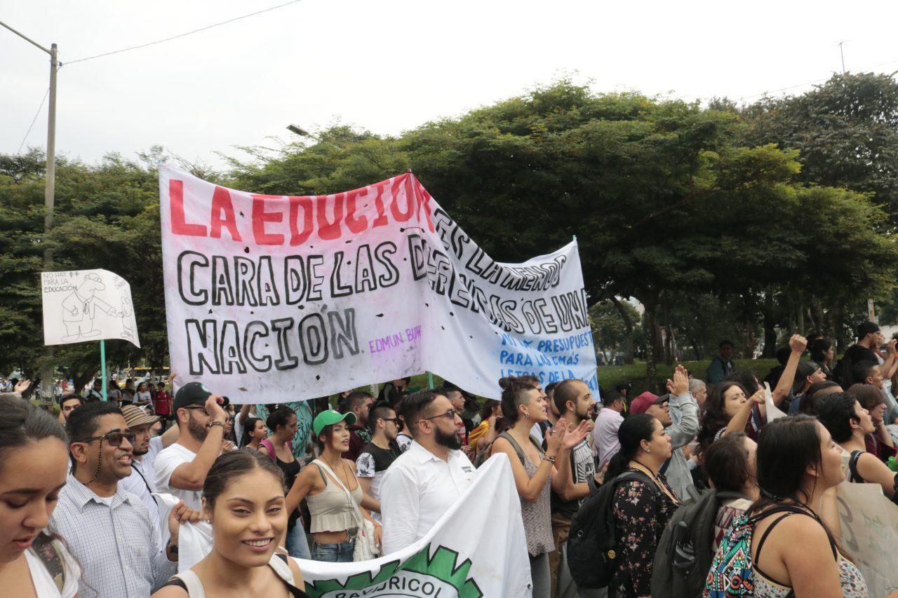 Universidades públicas se declararon en cese indefinido de actividades