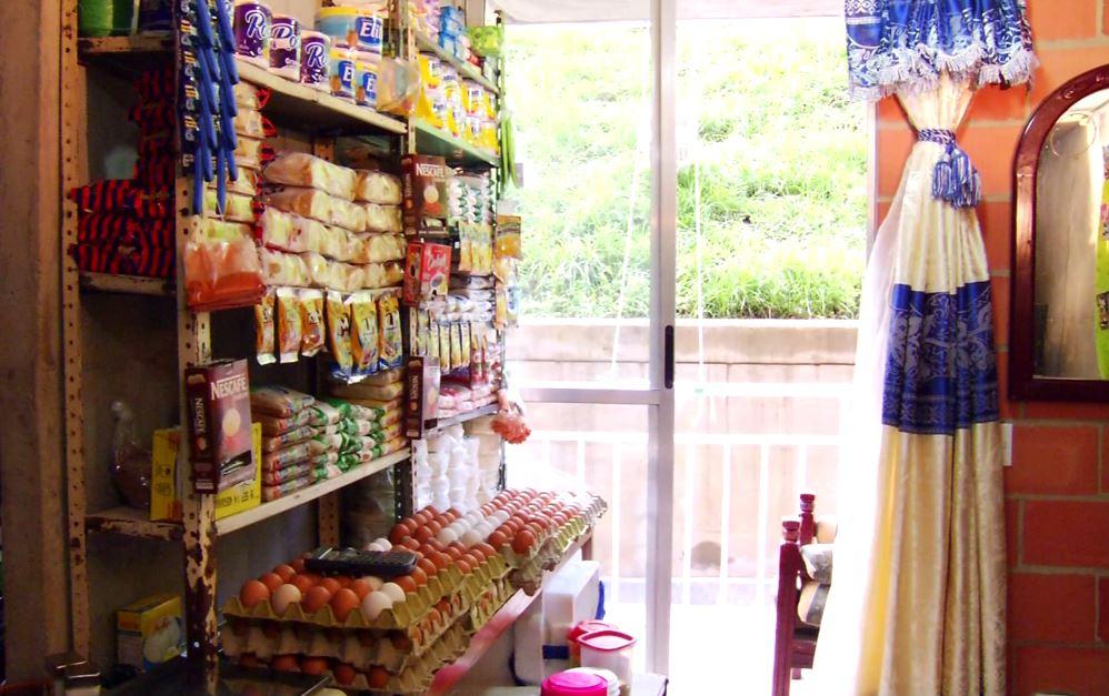 Lechen en polvo y pan son los productos más vendidos en las tiendas de barrio