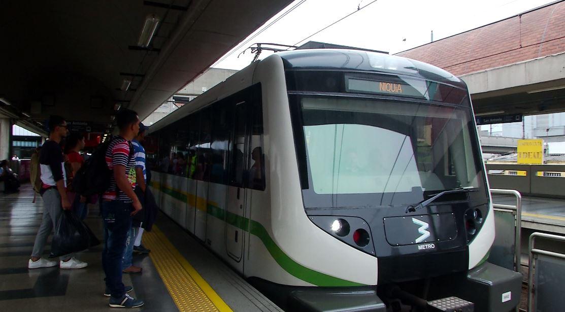 Venezuela crisis economica - Página 7 Metro-de-Medell%C3%ADn