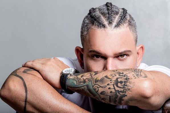 """El artista puertoriqueño Kenai lanzó su nueva canción """"Indecisa"""""""