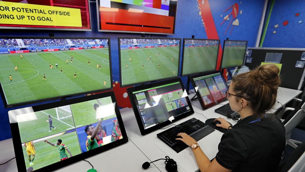 El VAR regirá para la Champions League con algunas novedades