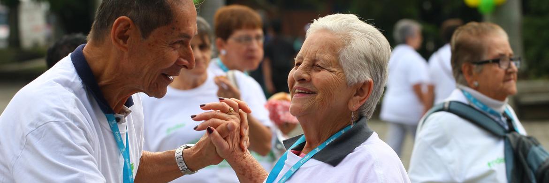 Adultos mayores de Medellín pueden postularse para recibir una ayuda económica