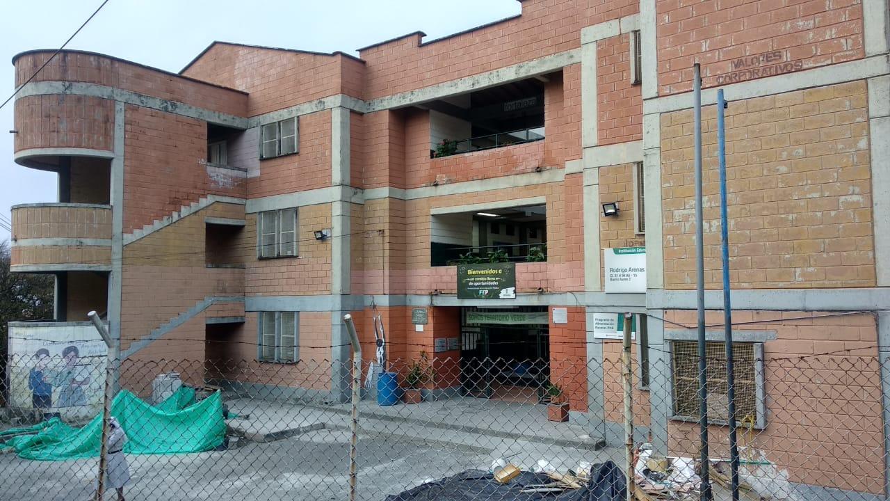 Investigan causas de intoxicación de menores en colegio de Robledo
