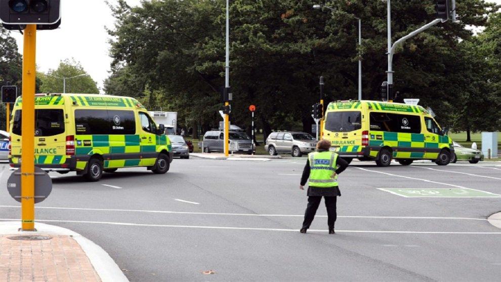 Ataque en mezquita de Nueva Zelanda deja al menos 49 personas muertas