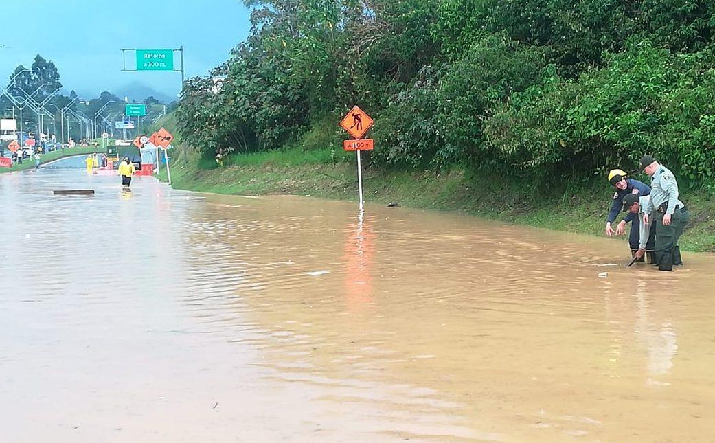 Inundaciones en varios sectores de Marinilla tras aguacero en el Oriente antioqueño