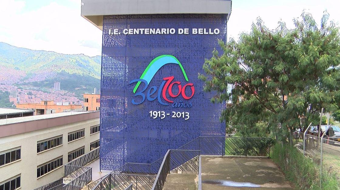 Denuncian hacinamiento en un colegio de Bello y déficit de maestros
