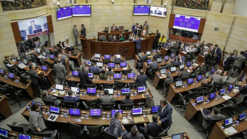 Gobierno realizará cumbre con partidos políticos para un nuevo proyecto