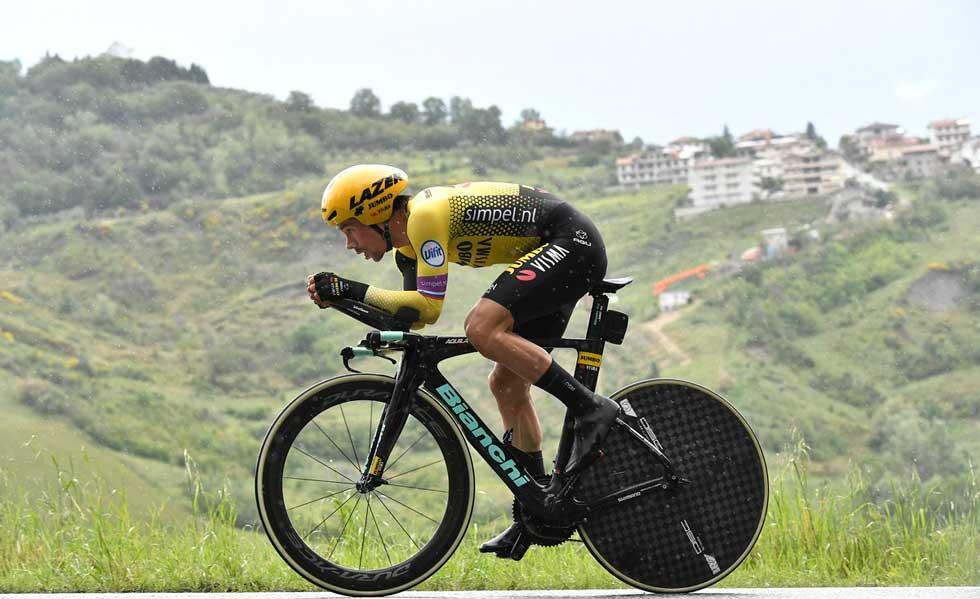 Roglic rompió todos los tiempos y se quedó con la novena etapa del Giro