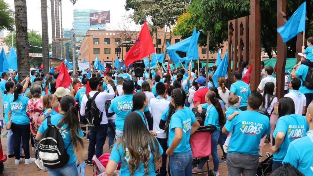 En Medellín se sumaron a la marcha nacional por la vida
