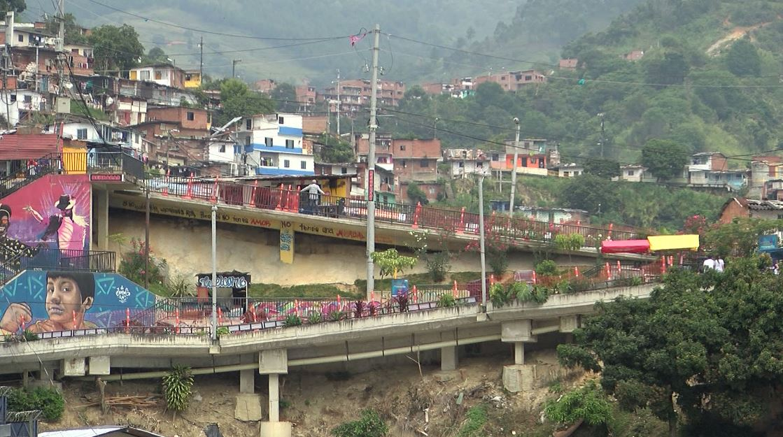 Comenzaron obras del viaducto tramo tres en la Comuna 13 de Medellín