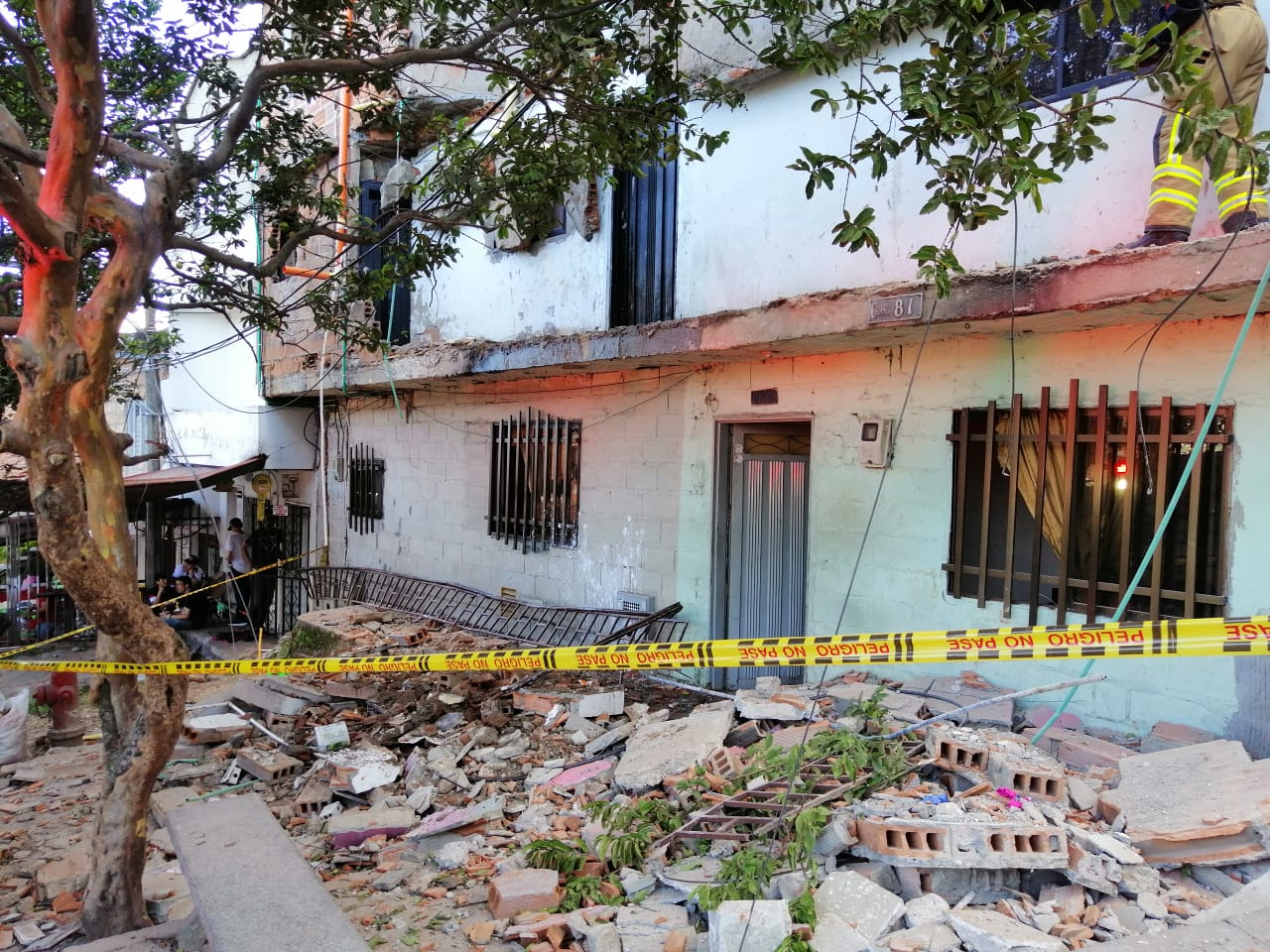 Desprendimiento de una fachada dejó nueve personas afectadas