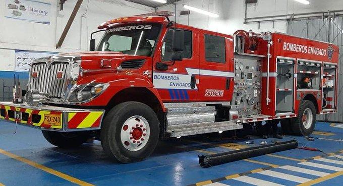 Único carro de bomberos hecho en Colombia con certificación internacional