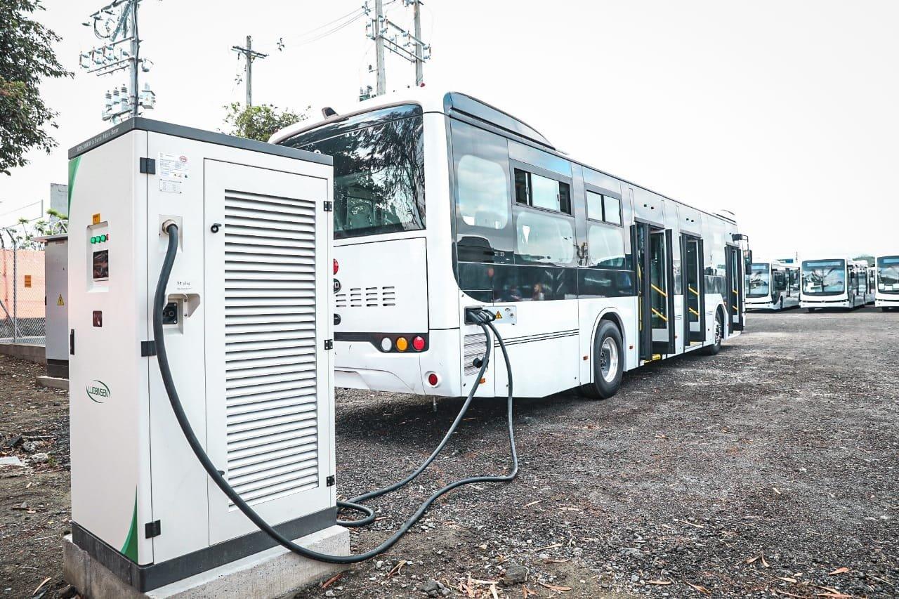 Metroplús adelanta la instalación de 16 estaciones de recarga para los nuevos buses eléctricos