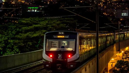 Tras solucionar un incidente, línea A del Metro opera con normalidad