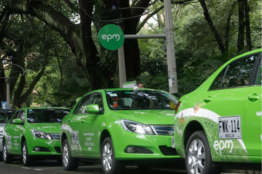 Cuatro taxis eléctricos ruedan por Medellín, para el 2021 se espera que sean 1.500