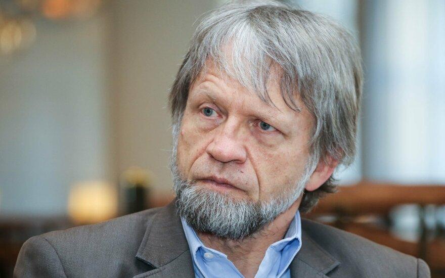 Antanas Mockus fue internado en cuidados intensivos