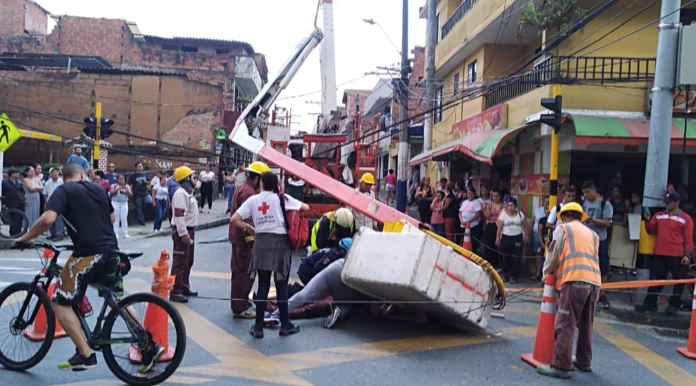 Dos personas lesionadas por accidente de carro canasta en Itagüí