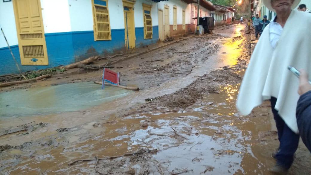Continúa la alerta roja en el municipio de Jericó por fuertes lluvias - Telemedellín