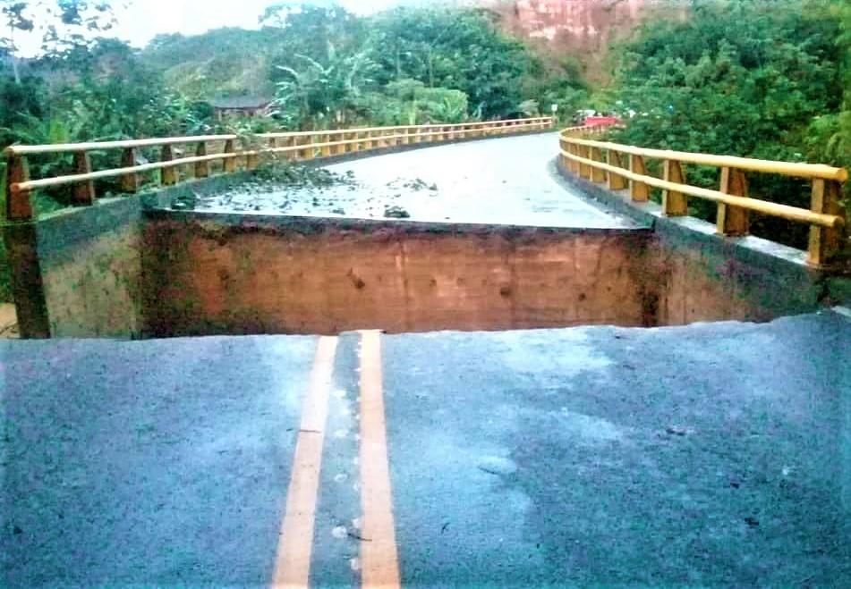 Vía Medellín – Puerto Berrío cerrada por desplome de puente