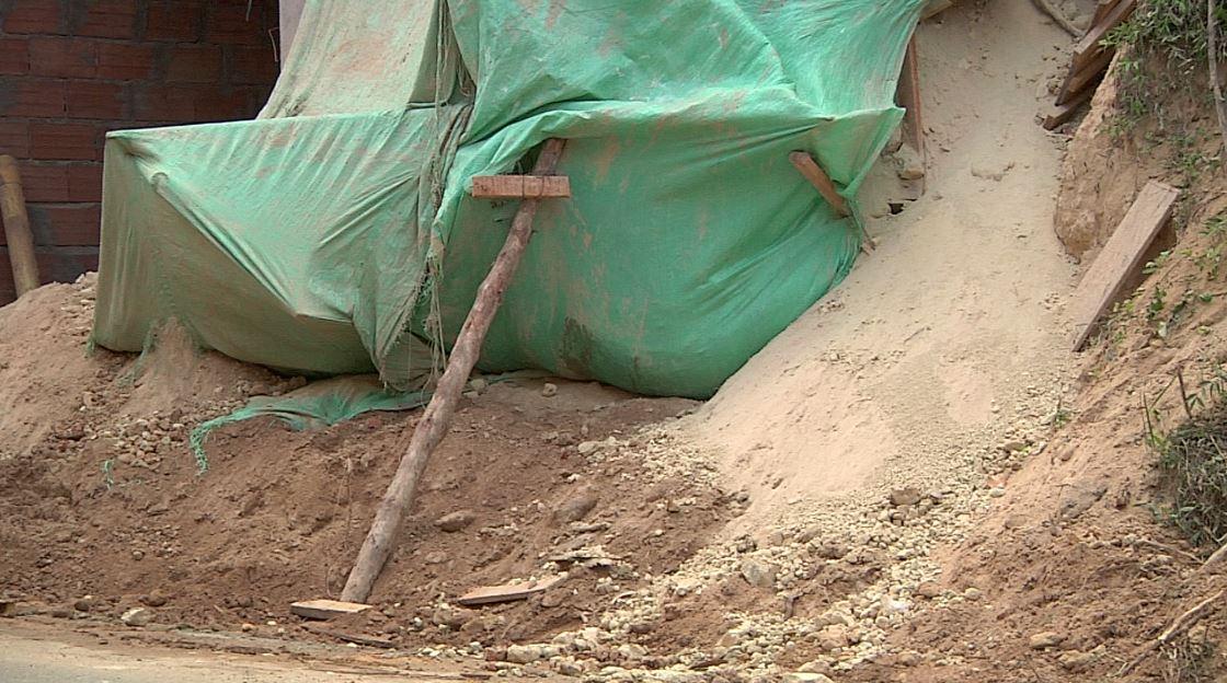 Un hombre falleció al ser sepultado por un alud de tierra en Belén Rincón