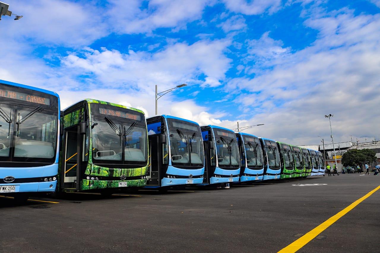 Comenzó operación comercial de los buses eléctricos de la Línea O del Metro