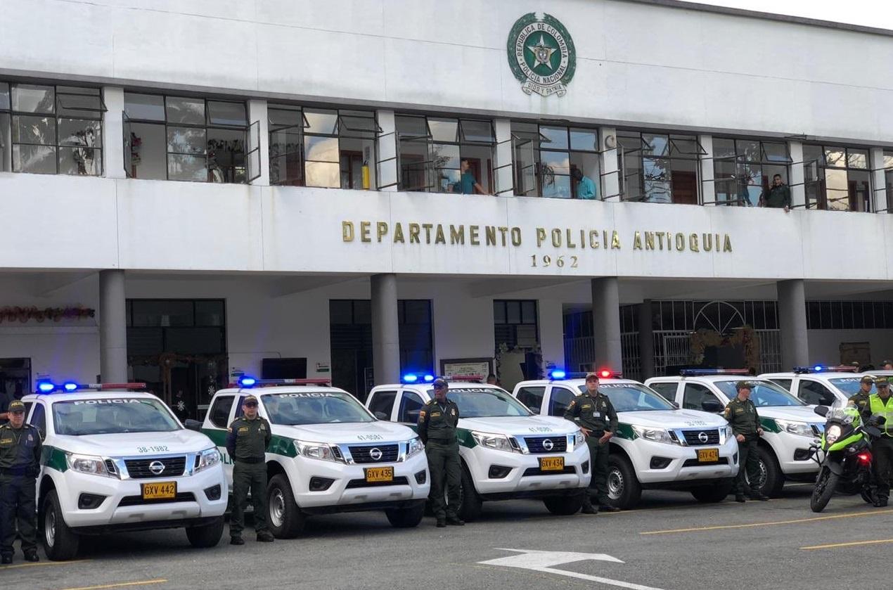 Fueron entregados 40 vehículos nuevos a la Policía de Antioquia