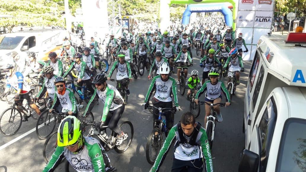 Por Medellín en Bicicleta, más de 10.000 personas rodando por la ciudad