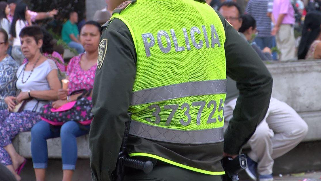 (Video) Investigan presunta agresión contra policías en Itagüí