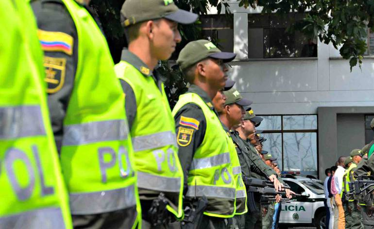 Anuncian acompañamiento y recompensas para evitar homicidios en Medellín