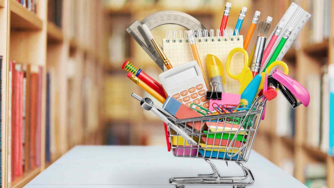 Conozca cómo comprar útiles escolares a bajo costo