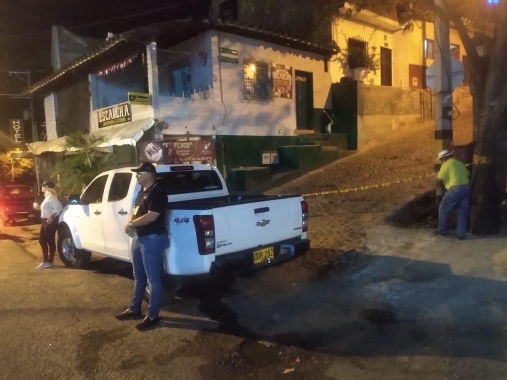Viajeros que desacataron cuarentena, encontraron municipios cerrados