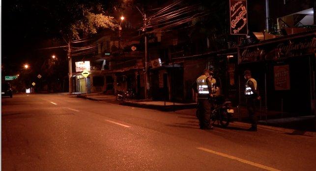 Hoy A Las 10 00 P M Inicia El Toque De Queda En Medellin