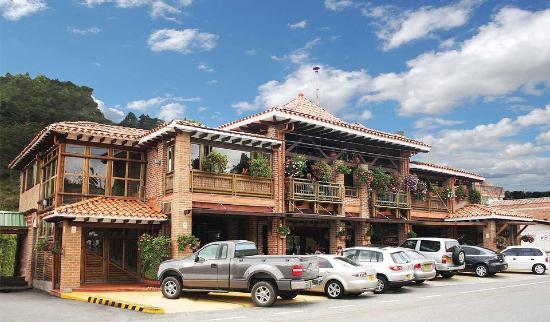 Las ventas de los restaurantes alrededor del JMC han caído en un 90 %
