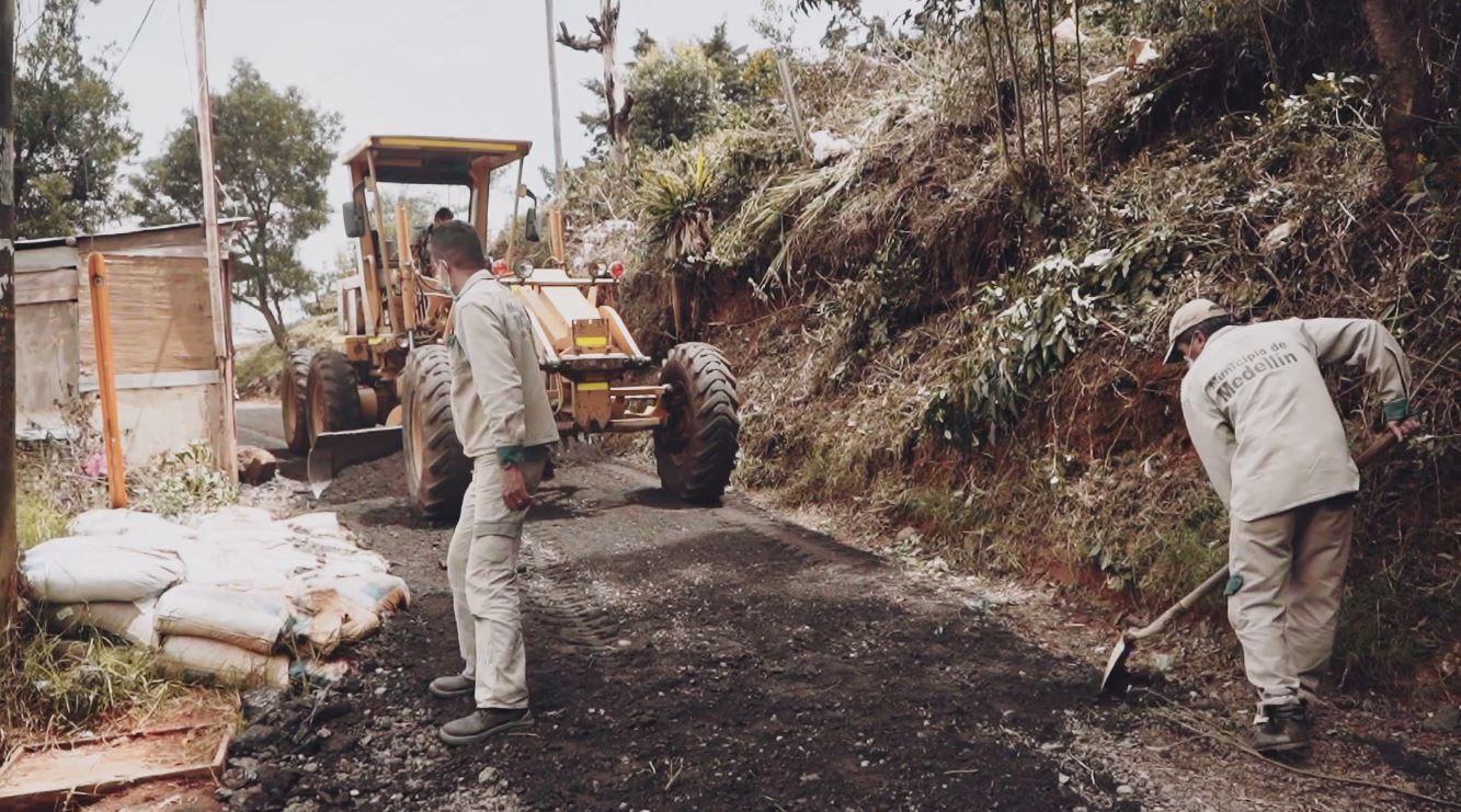 Un kilómetro de vía nueva fue construido en Bello Oriente