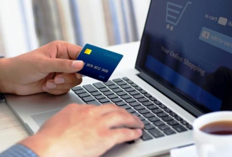¿Cómo evitar fraudes en las compras por internet en el día sin IVA?