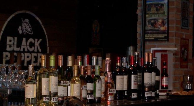 Inicia el piloto de expendio de licor en bares hasta la medianoche en Medellín