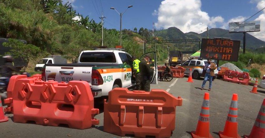 Con más de 30 puestos de control autoridades vigilan las vías de Antioquia