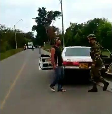 Investigan muerte de mujer a quien presuntamente le habría disparado un soldado
