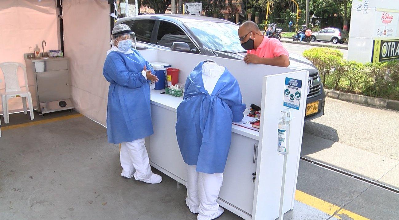 Instalan laboratorios móviles para pruebas Covid en Medellín