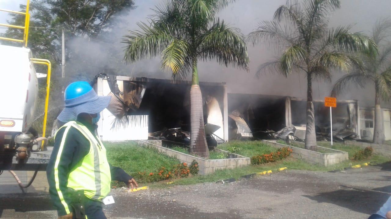 Se registró un incendio en las oficinas de Devimar en San Jerónimo