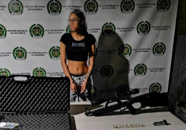 Capturan a una mujer que transportaba un rifle de alta precisión en Blanquizal
