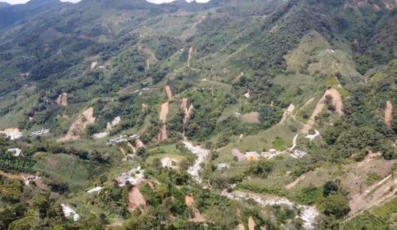 500 personas en riesgo por deslizamientos en zona rural de Santo Domingo